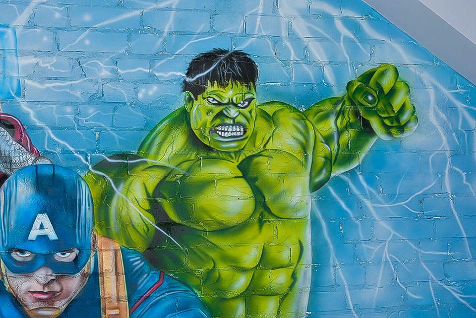 Mural Avengers london hulk